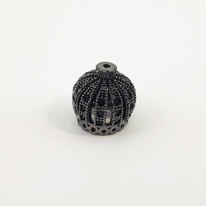 Концевик (колпачок, шапочка, обниматель), корона с черными стразами, вороненая сталь, (c 16 отверстиями по краю), Milano LUX, 13х14 мм, 3 г.
