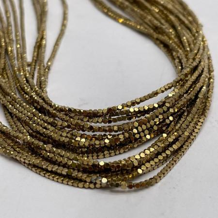 Каменные бусины, Гематит, золото, ювелирная огранка, размер 1х1 мм, нить 38 см