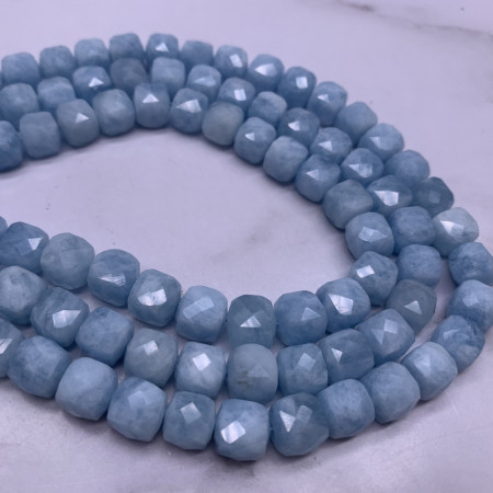 Каменные бусины, Аквамарин, Голубой Берилл, кубик огранка, 8х8 мм, длина нити 19 см