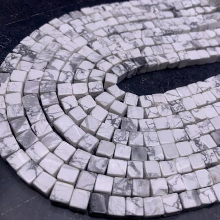 Каменные бусины, Кахолонг, кубик, 6х6 мм, длина нити 38 см
