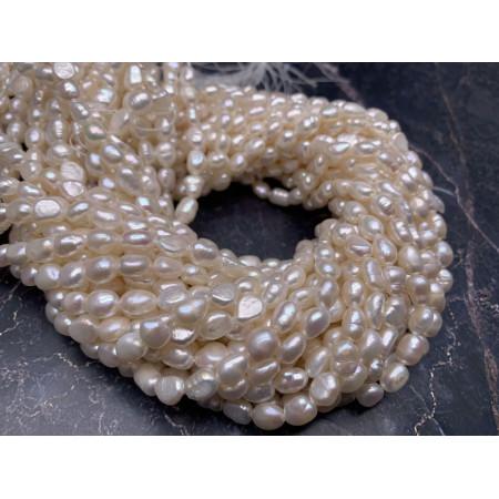 Каменные бусины, Жемчуг, белый, фримормы, 6 мм, длина нити 38 см