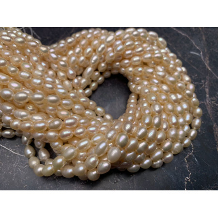 Каменные бусины, Жемчуг, бежевый, рис, 6 мм, длина нити 38 см