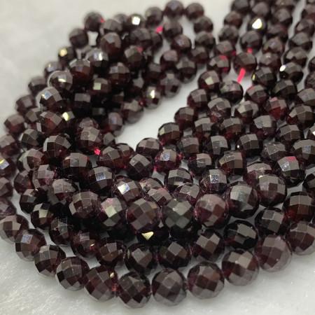Каменные бусины,  Гранат , 70 бусин, шарик огранка 6,2 мм