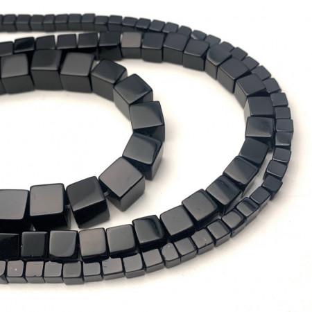 Каменные бусины, Агат, чёрный, тонированный, кубик, 4х4 мм, длина нити 38 см