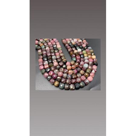 Каменные бусины, Турмалин, в ювелирной огранке, кубик , 8х8 мм, длина нити 38 см арт. 12905