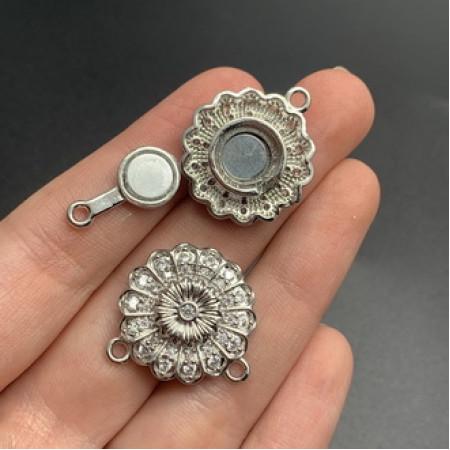 Застёжка №41, Магнитный замочек на многорядное украшение, под серебро, со стразами, 23,5 мм